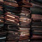 ラウンドファスナー型メンズコインケースの人気・おすすめ17選|容量がたっぷりでサブ財布にも使える